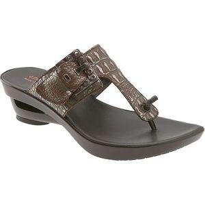 New Donald J Pliner Coyne Metallic Wedge Sandal 7